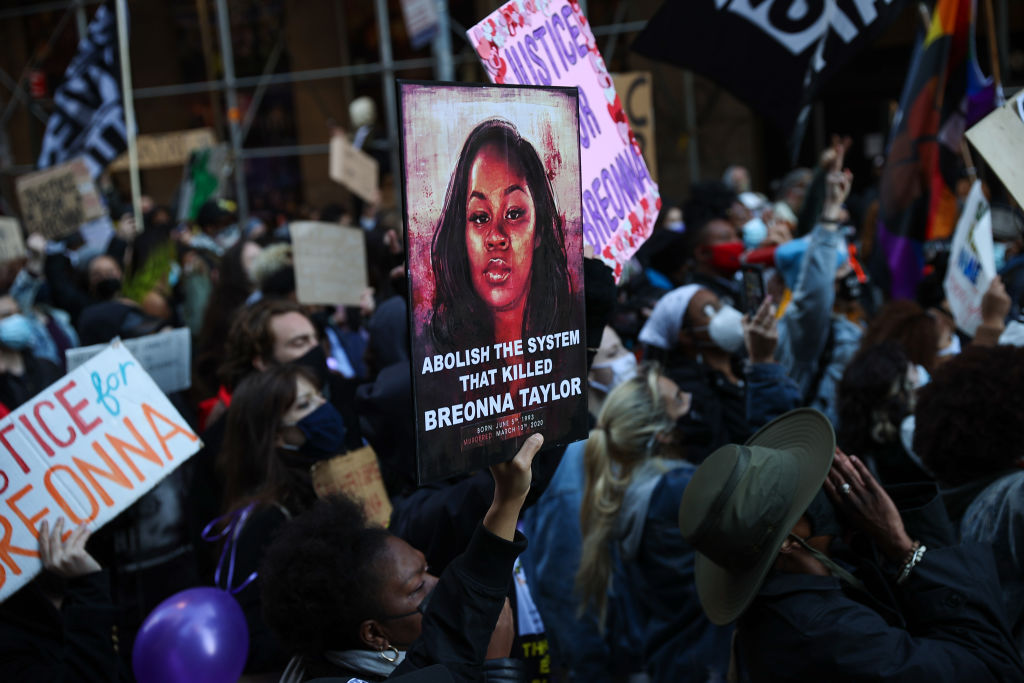 BLM protesters gathered for Breonna Taylor at Times Square