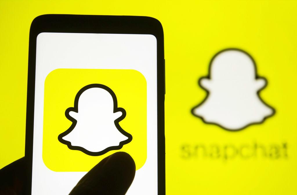 Snapchat Logo Illustration Picture