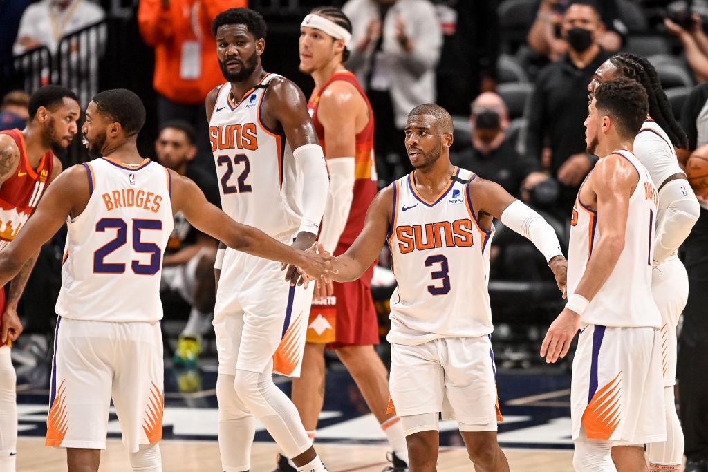 Catch Fade: Phoenix Suns Fan Beats The Brakes Off Obnoxious Nuggets Fan Then Correct Predicts Series Outcome