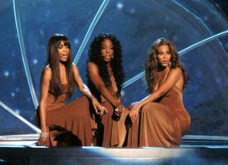 """Destiny's Child Perform """"Cater 2 U"""" At the 2005 BET Awards"""