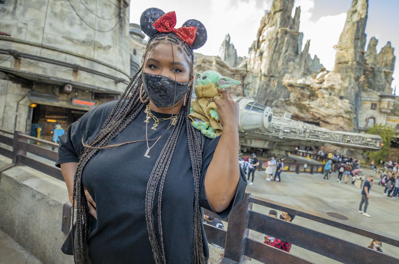 Lizzo Visits Star Wars: Galaxy's Edge At Disneyland Park